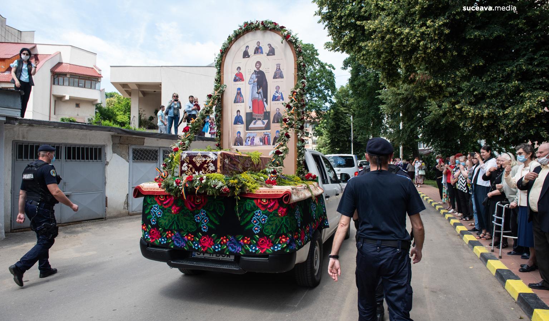 Procesiunea moaștelor Sfântului Ioan cel Nou de la Suceava (fotoreportaj)