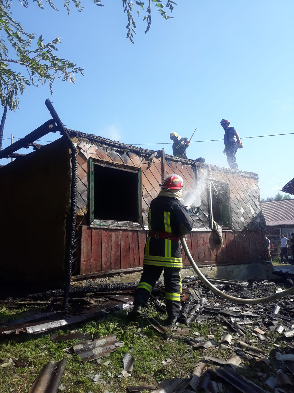 Incendiu în satul Humoreni din comuna Comănești