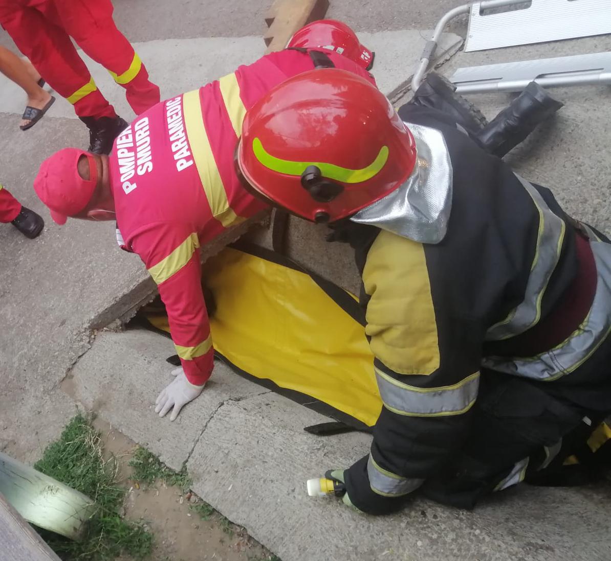 Intervenție de salvare a pompierilor militari fălticeneni în satul Broșteni din comuna Drăgușeni
