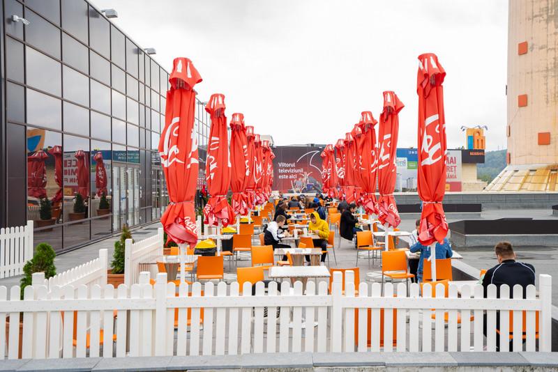 Experiențele din foodcourt se mută pe terasa în aer liber, la Iulius Mall Suceava