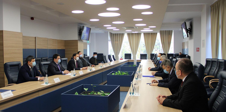 Universitatea Ștefan cel Mare din Suceava (USV) a primit vizita ambasadorului Republicii Kazahstan în România