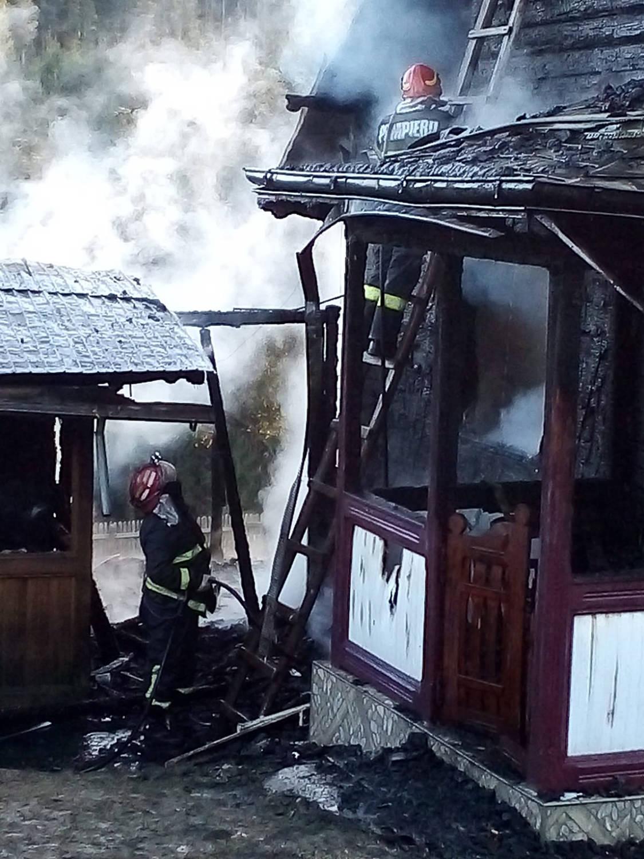 Incendiu în localitatea Bobeica