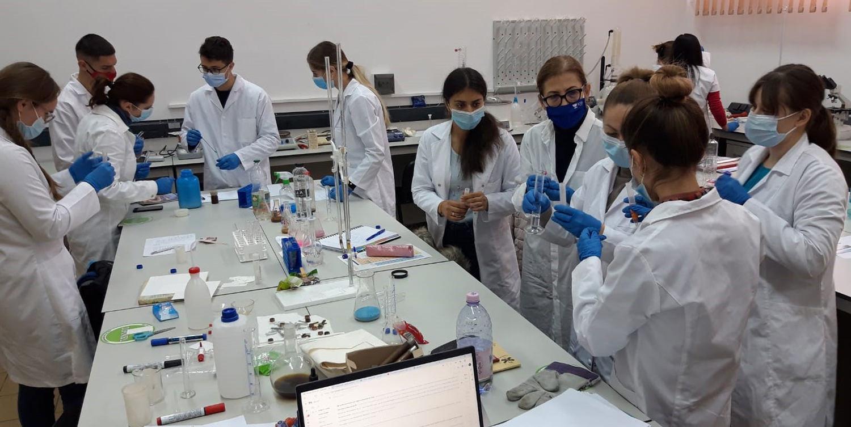 Studenții USV sprijină voluntar activitatea Direcției de Sănătate Publică Suceava