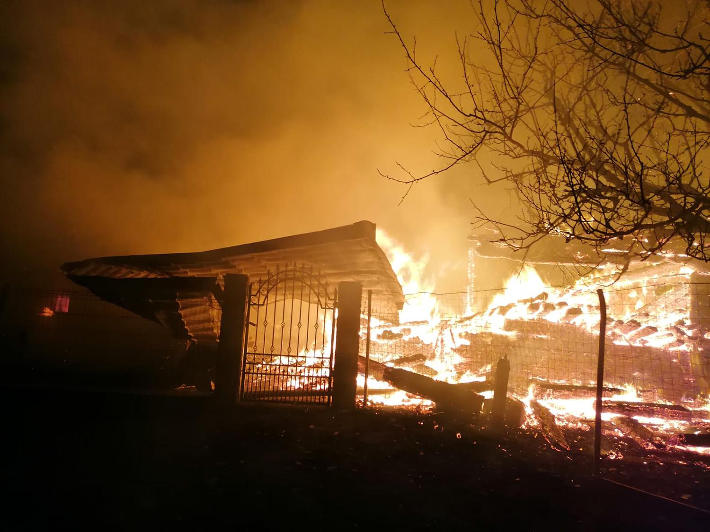 Incendiu la o gospodărie din satul Costileva de Sus
