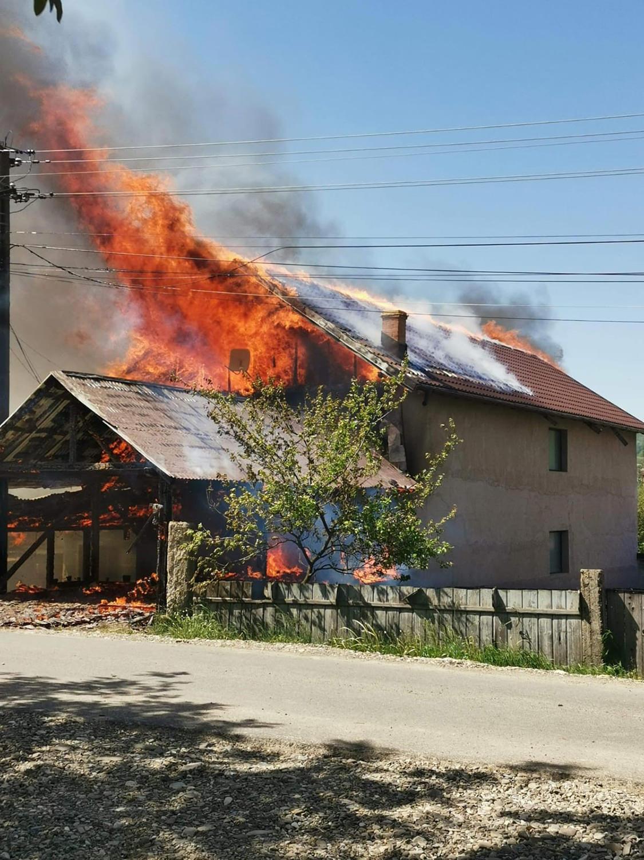 Incendiu în satul Dolheștii Mici