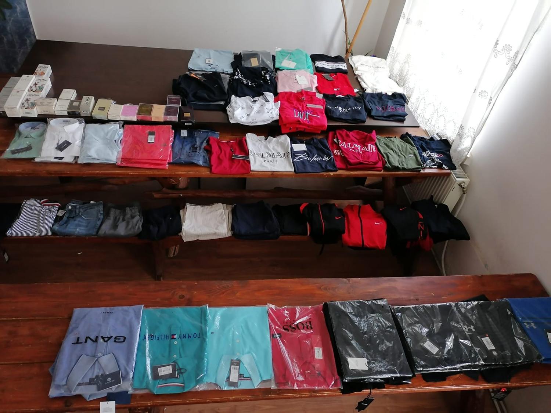 Articole contrafăcute în valoare de aproximativ 10.000 de lei confiscate de către jandarmi